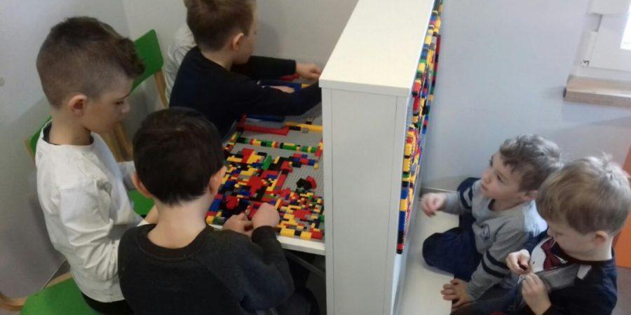 Razvoj kreativnosti i logičko razmišljanje u LEGO centru aktivnosti